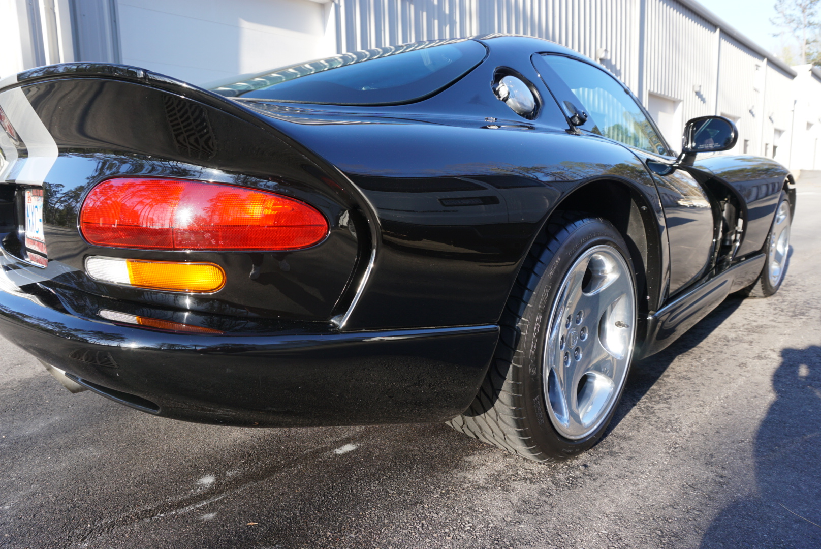 Full Exterior Detail of 1999 Dodge Viper