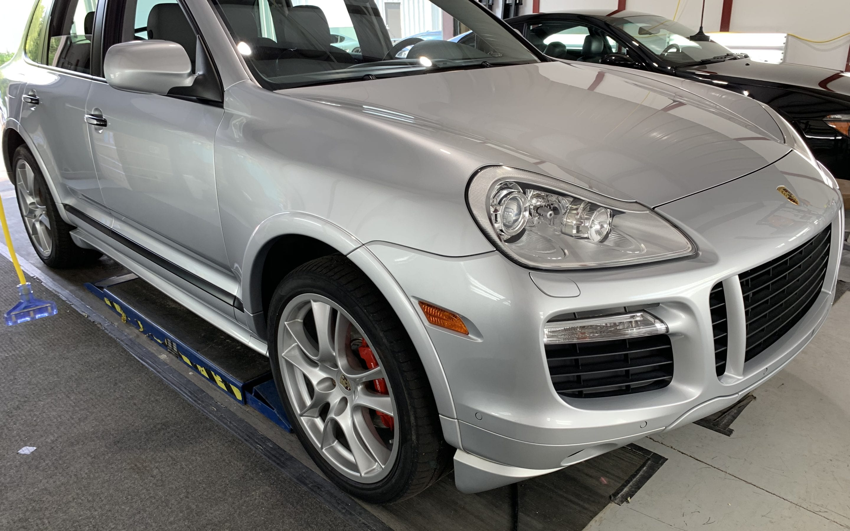 Ceramic Coating of a 2015 Porsche Cayenne