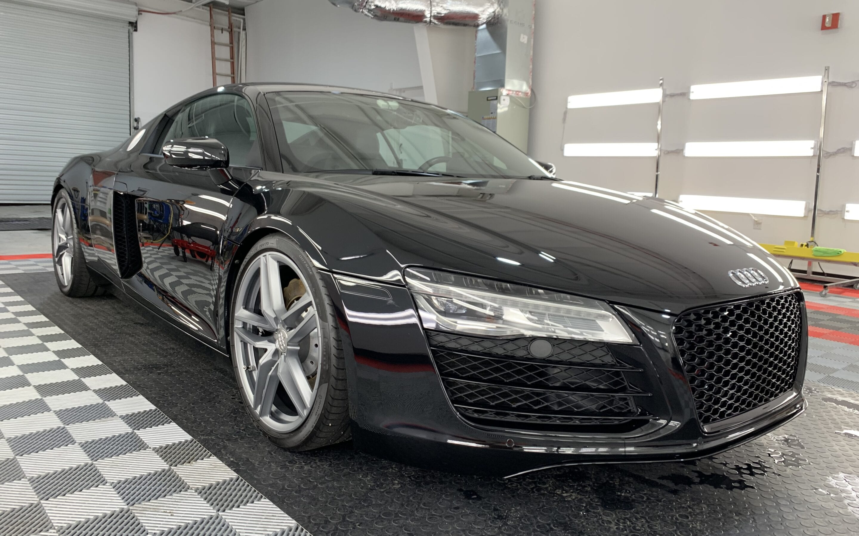 Ceramic Coating of a 2015 Audi R8