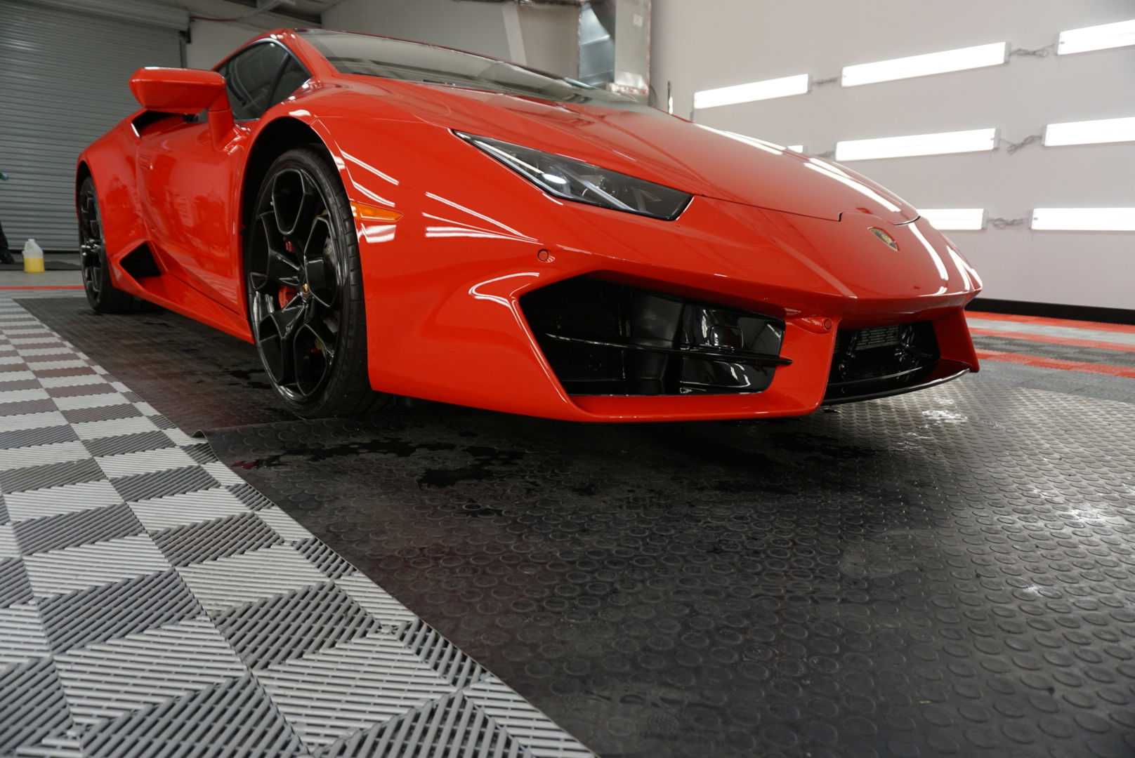 Full Detail of a 2019 Lamborghini Huracan