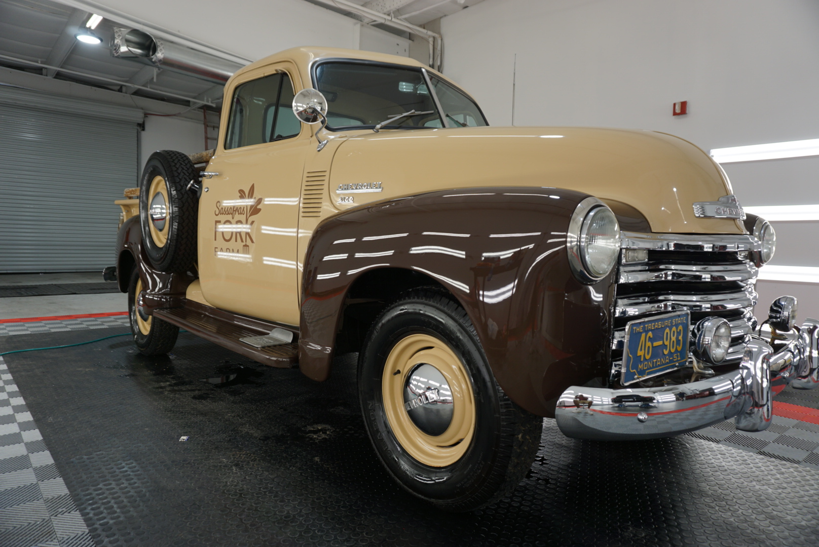 Paint Correction of a 1954 Chevrolet Advance Design